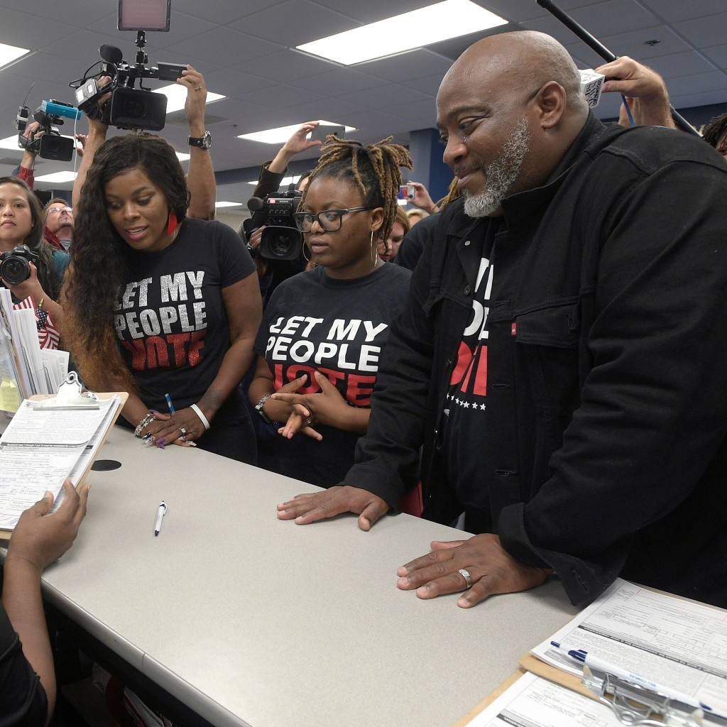 Most Florida felons kept from registering to vote by fines, fees or fears, activists say