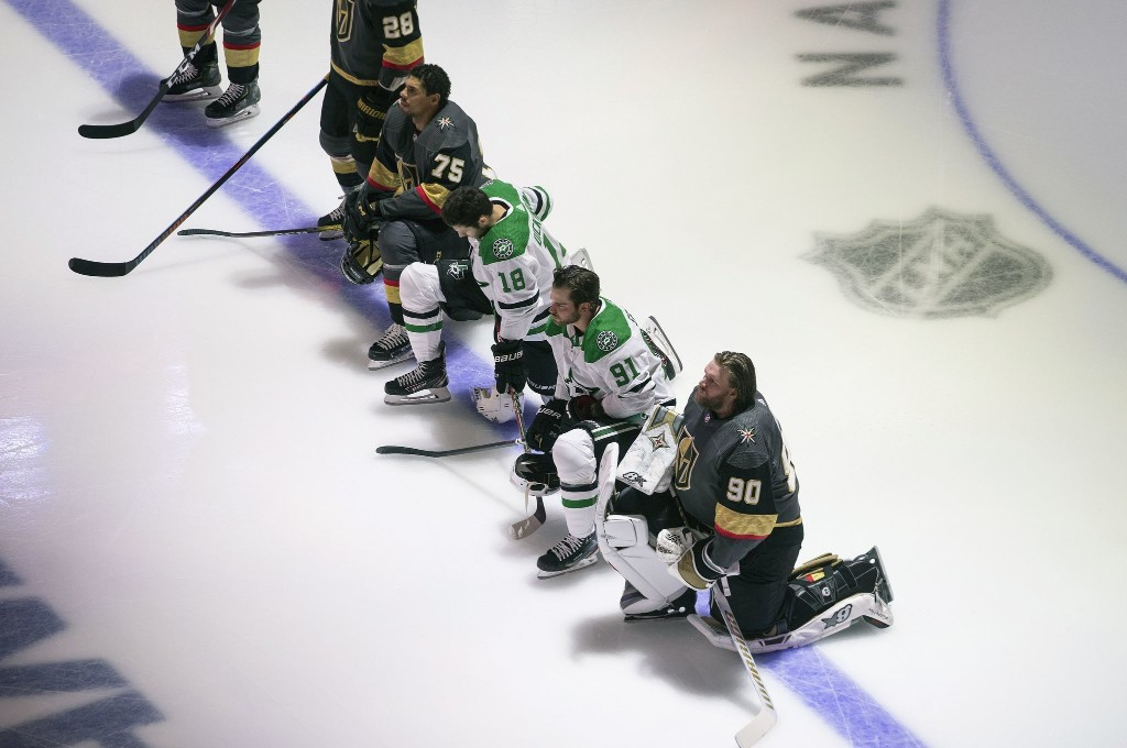 One NHL player had knelt during the anthem before Monday. Now it's five.