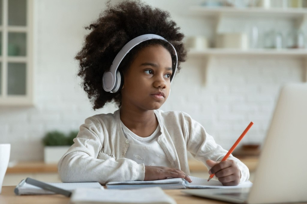 Distance learning was a disaster. So I decided to teach my daughter myself.