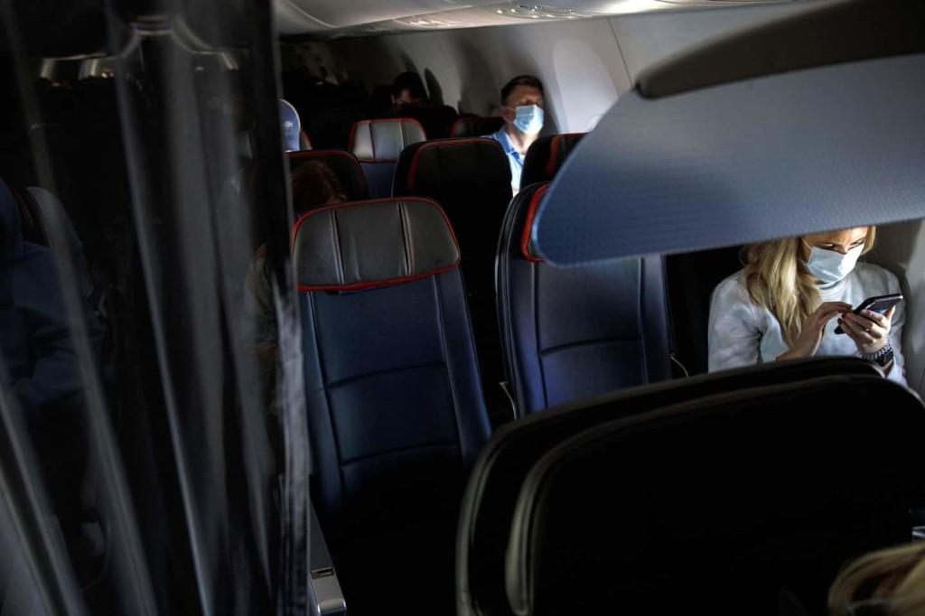 ¿Cuán seguro es volar en la era del coronavirus?