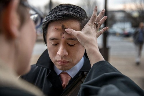 On Ash Wednesday, ashes to go — with a little extra sparkle for LGBT Christians