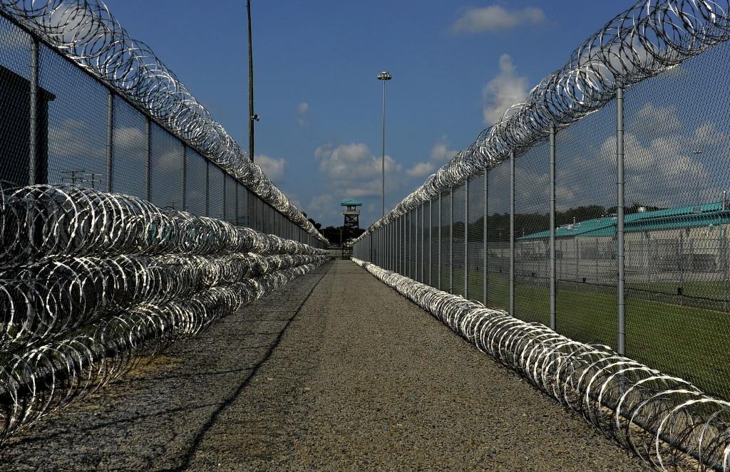 Amid massive covid-19 outbreak, Virginia prisons accused of failing inmates again