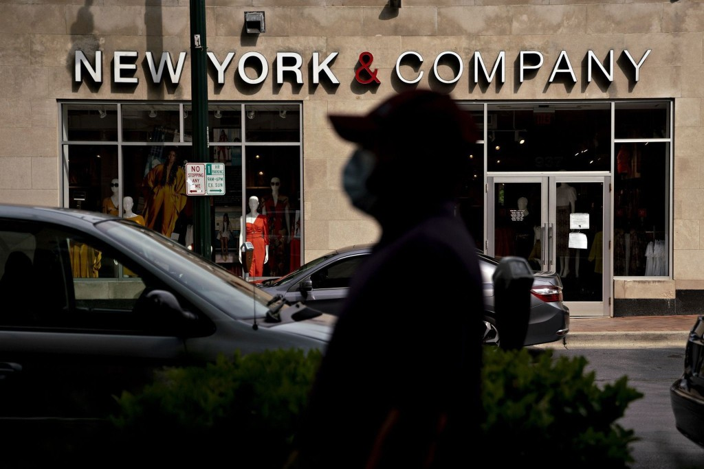 New York & Co. says it may close all 400 stores as parent files for bankruptcy