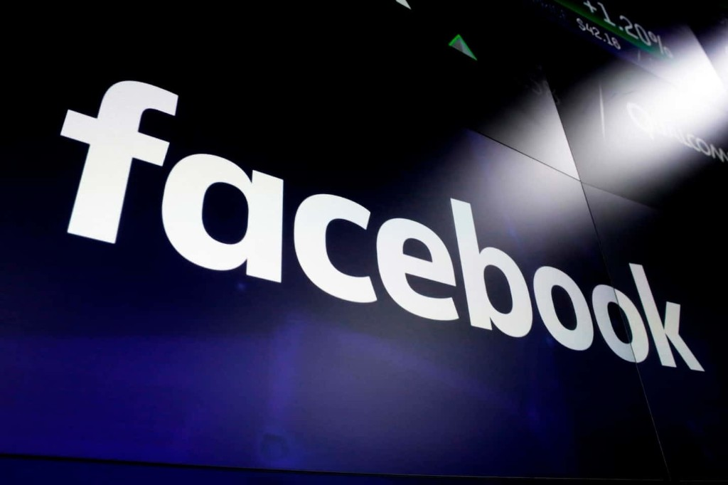 Facebook will begin paying some outlets for their content as it introduces its News tab