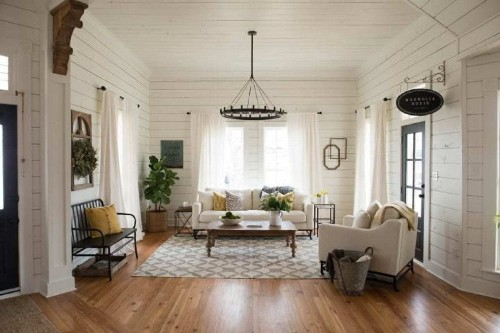 Renters: White walls are your greatest decorating asset
