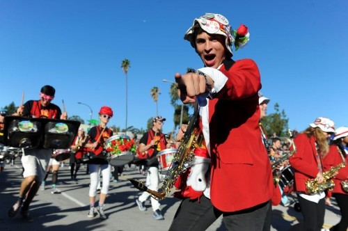 Rose Bowl officials unhappy with Stanford marching band's Iowa-bashing halftime show