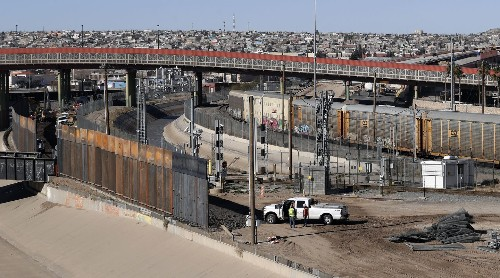 Top lawmakers to meet to revive stalled border talks with shutdown days away