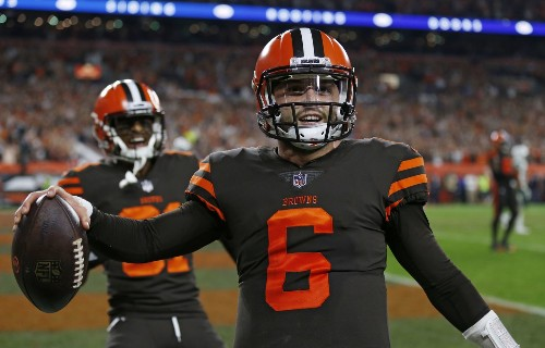 Baker Mayfield announces his arrival by leading the Browns out of the darkness