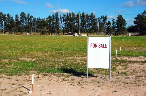 Writing off loss on sale of property on federal income taxes may hinge on whether it was purchased for investment purposes