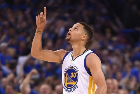 Warriors attain NBA immortality with 73rd win to break '96 Bulls' wins record