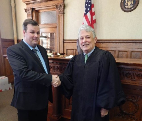 This former bank robber was just sworn in as a lawyer — by the same judge who once sent him to prison