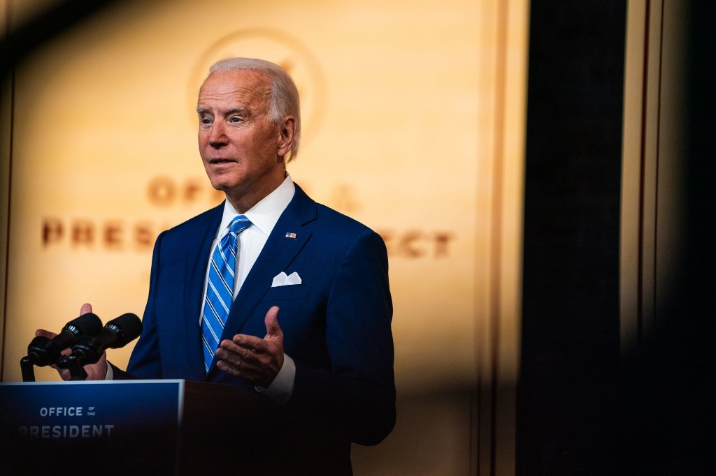 Live updates: Biden to appear in Delaware with economic team; Trump lashes out at GOP governors