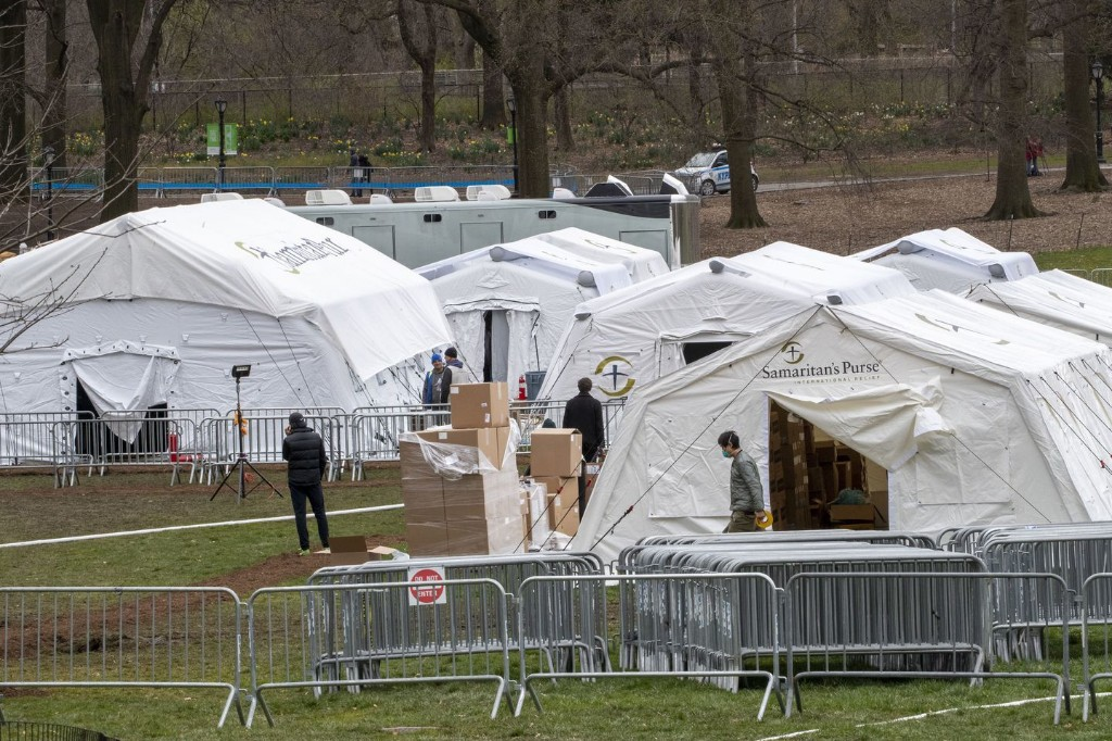 White House task force projects 100,000 to 240,000 deaths in U.S., even with mitigation efforts