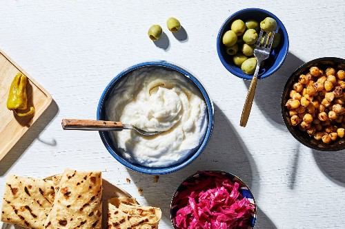 6 very garlicky recipes to ward off exes, vampires and vampiric exes
