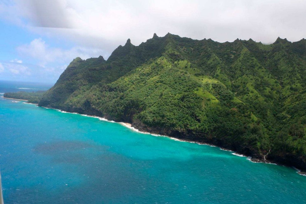 'No indications of survivors' after tour helicopter vanishes in Hawaii with 7 on board