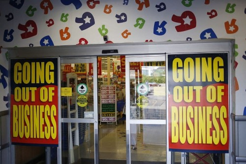 'How can they walk away with millions and leave workers with zero?': Toys R Us workers say they deserve severance