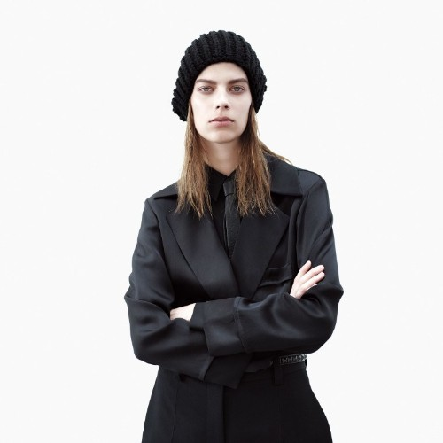 How to Wear Head-to-Toe Black Outfits
