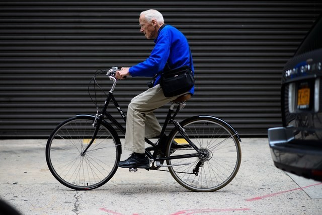 Unpublished Bill Cunningham Photos Surface; Blood Orange Gets Busy