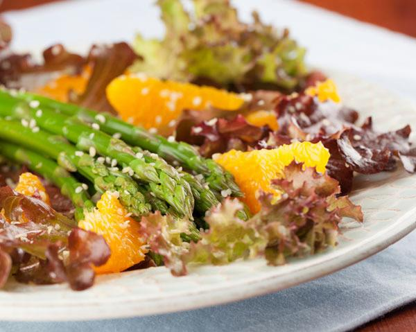 6 Salad Ingredients That Help You Drop Pounds Faster
