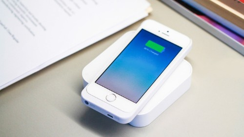 Qi-Enabled Wireless Charger ARK Lets Mobile Users Cut The Cord