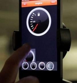 運転中の車の状態データをiPhoneに表示する小さなハードウェア+アプリDash