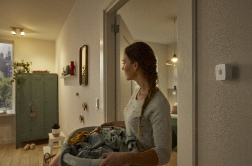 Philips Hue announces a $40 motion sensor to automagically turn your lights on