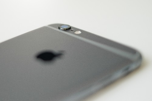 48 Million In iPhone Sales Leads Apple's Q4 2015 Earnings