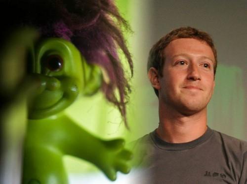マーク・ザッカーバーグのFacebookプロフィールが、ブラジルの「荒らし」に攻撃されている