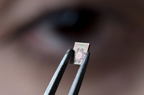 Tiny chip looks deep inside your body with millimeter-wave radiation