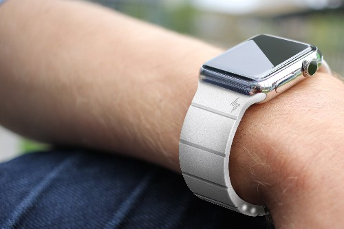 Reserve Strap Promises To Extend Your Apple Watch Battery By 30 Hours