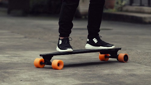 Stary's Electric Skateboard Is Super Light And Super Cool