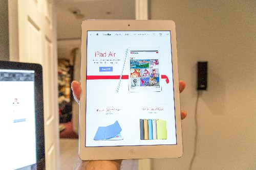 The First Apple Store App For iPad Nails Tablet Shopping With Clever Gesture And Image Focused Interface