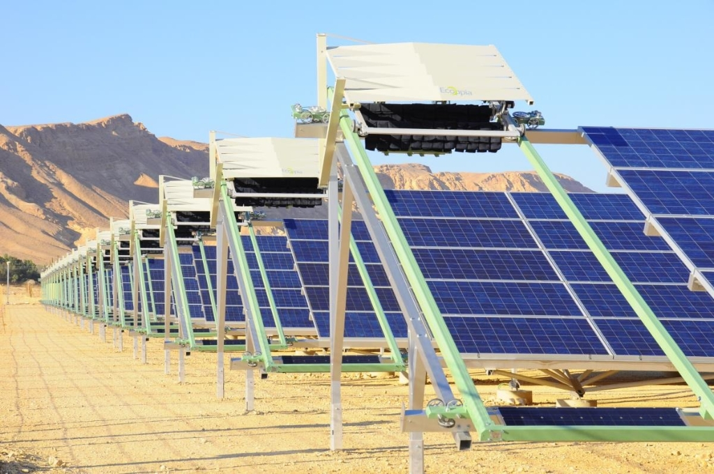 This Israeli startup makes robots that dry clean solar panels