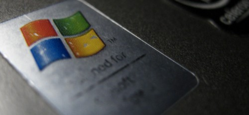 Windows XP Declines To Die, Sheds Mere 1.5% Market Share In April