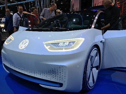 Volkswagen will begin making electric cars in North America in 2021