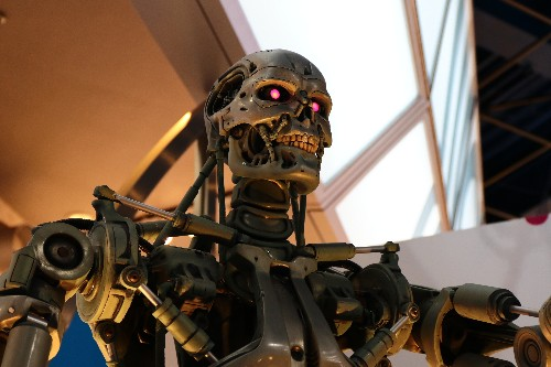 AI is not a threat to humanity, but an Internet of 'Smart' Things may be!