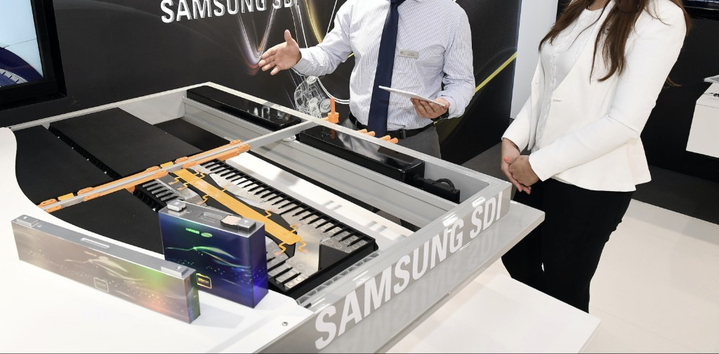 Samsung Electric Car Battery  - Magazine cover