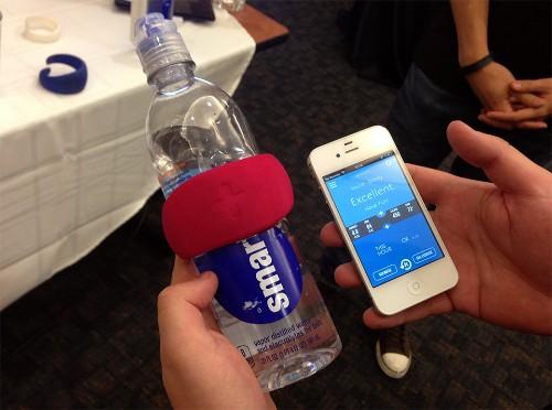 The Caktus Hug Sensor Makes Sure You're Drinking Enough Water