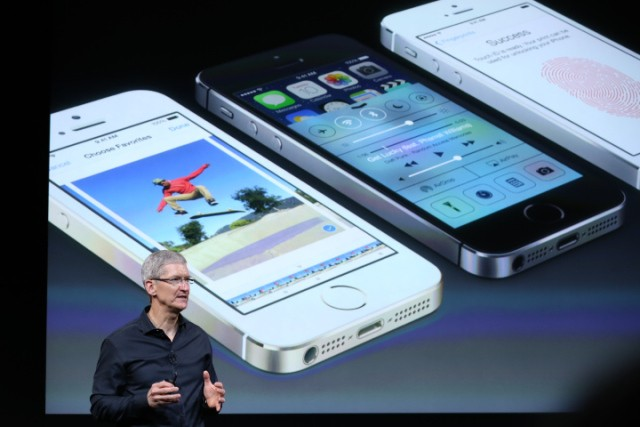 Apple CEO Tim Cook Says The Windows/Mac Comparison To Android/iOS Doesn't Fit