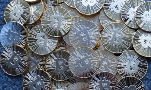 ギリシャがユーロを捨ててBitcoinに切り替えてはいけない理由