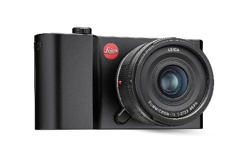 The Leica TL2 brings mirrorless cameras to point-and-shoot size, but for a price