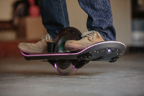 "Ride This One-Wheeled Gyro Skate They Call A ""Hoverboard"""