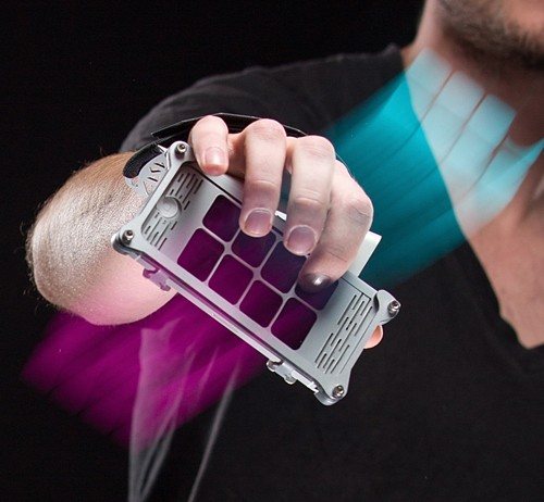 The AUUG iPhone Grip And App Turns Your Body Into A Musical Instrument