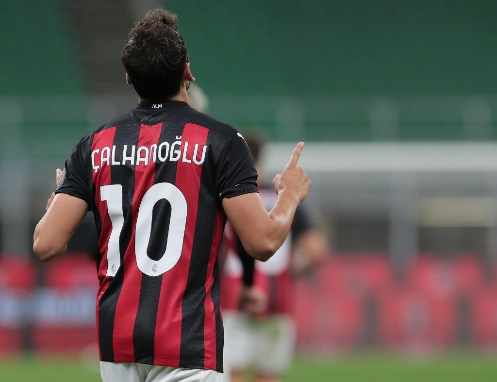 World Soccer Gossip: United eyeing Calhanoglu; Walcott wants long-term stay - World Soccer