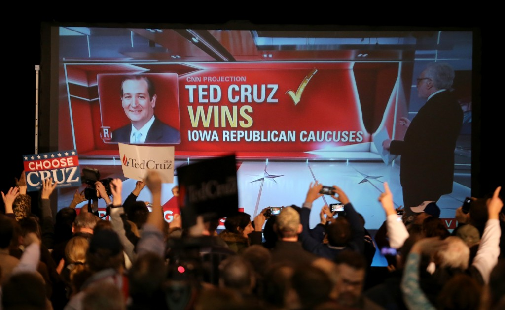 Republican presidential candidate Sen. Ted Cruz (R-TX) is declared the winner of the Iowa caucuses on February 1, 2016 in Des Moines, Iowa (Photo by Christopher Furlong/Getty Images)