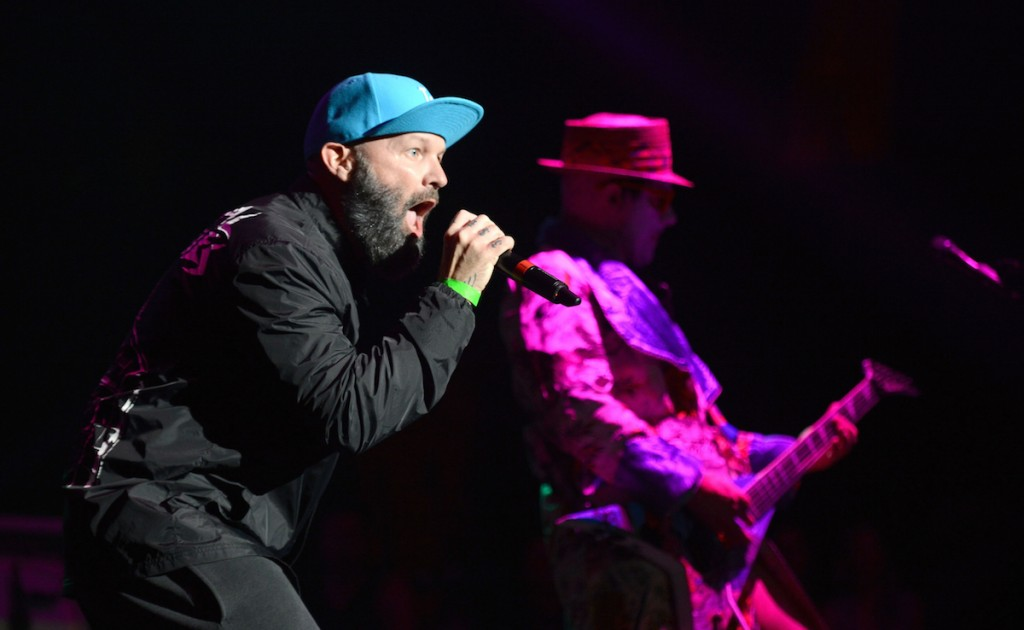 INGLEWOOD, CA - MARCH 14: (L-R) Singer Fred Durst and guitarist Wes Borland of Limp Bizkit performs onstage at The Forum on March 14, 2015 in Inglewood, California. (Photo by Scott Dudelson/Getty Images)